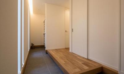 玄関ホール|子供たちの元気な声が響く のびのび成長できる家