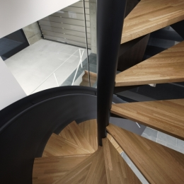 那須の家 (螺旋階段)