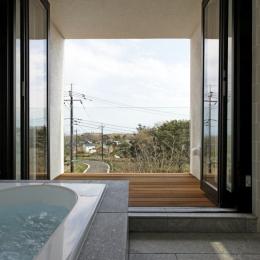 那須の家 (眺望のいい浴室)