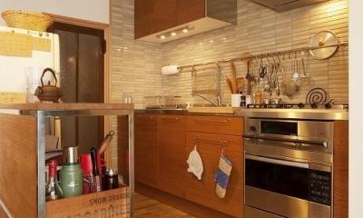 手づくりの家具で、自分流 (キッチン)