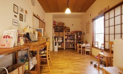 手づくりの家具で、自分流 (家事室兼プレイルーム)