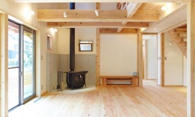 リビングダイニング|さくら 〜薪ストーブのある木の家〜