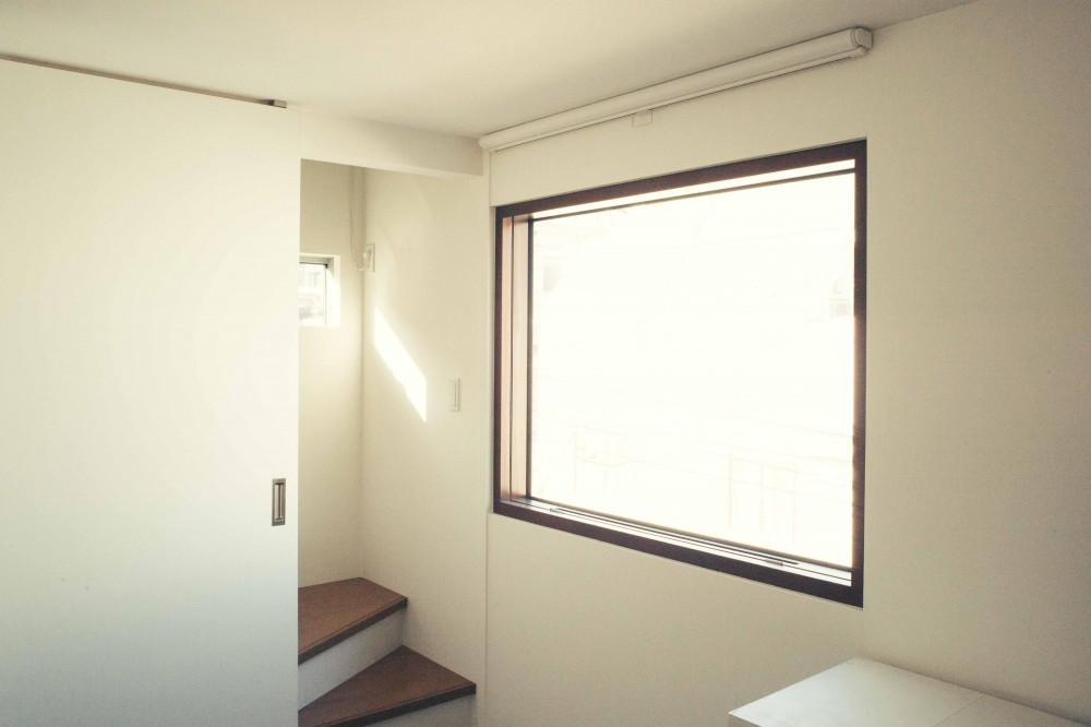 世田谷区 桜 NAVY HOUSE 1 (明るい子供部屋 2)