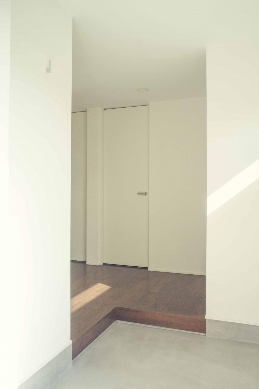 世田谷区 桜丘 NAVY HOUSE 2 (明るい玄関 1)