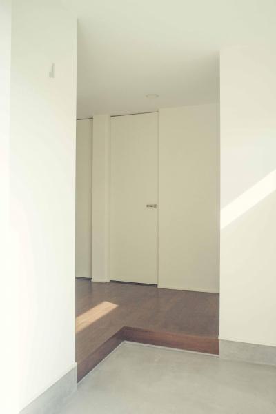 明るい玄関 1 (世田谷区 桜丘 NAVY HOUSE 2)