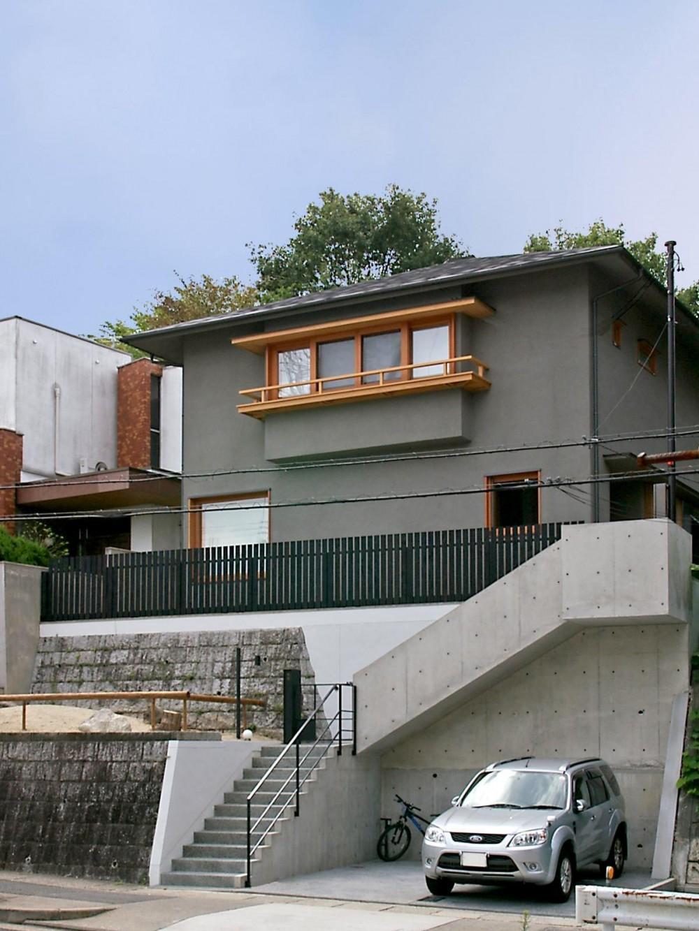 高台に建つ和モダン住宅 (高台に建つ家)