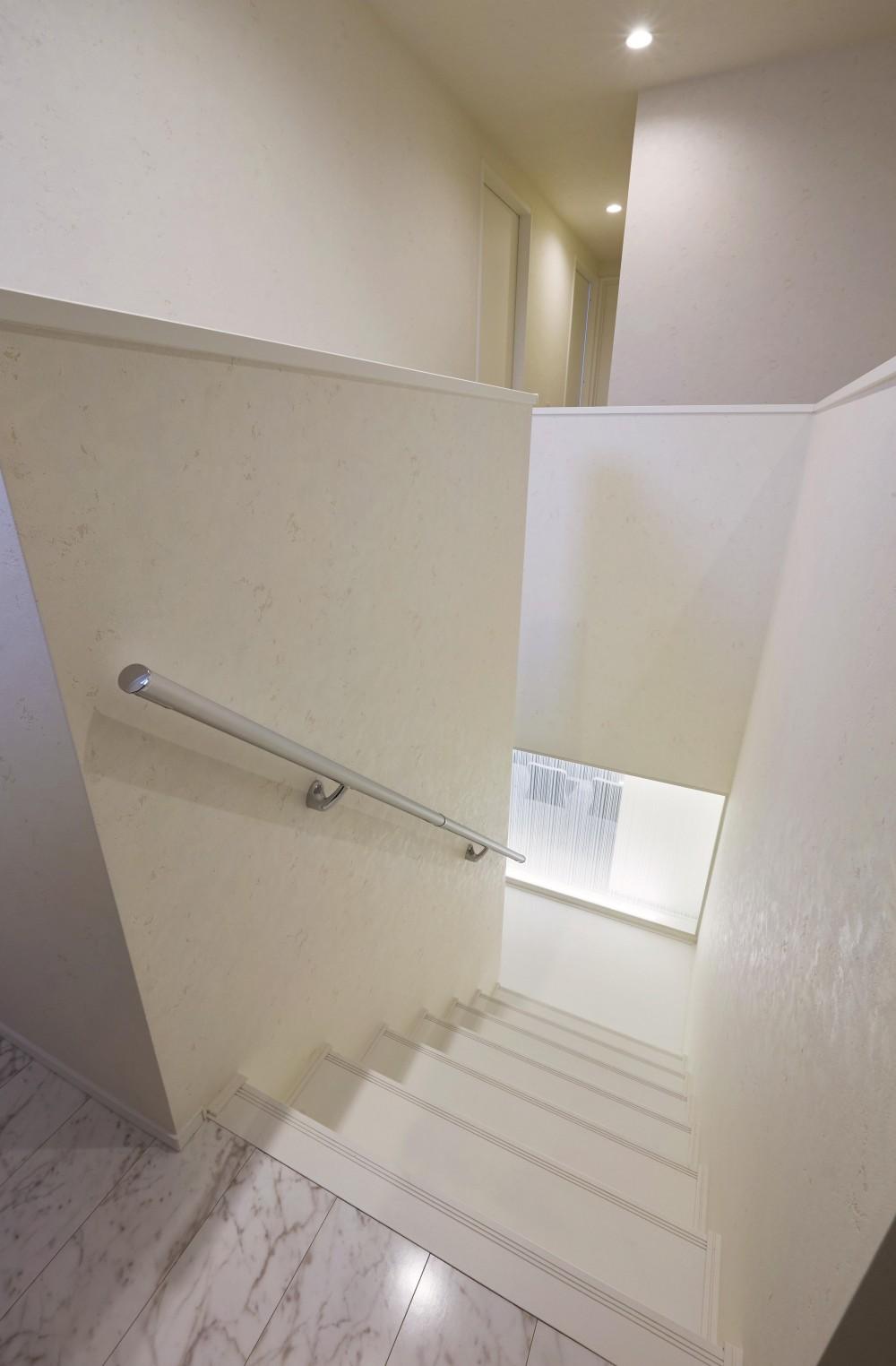 二世帯の住まい (階段)