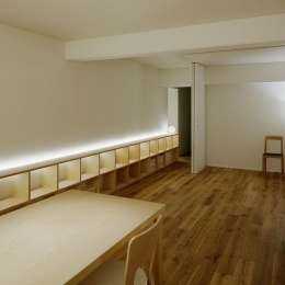 造作家具に組み込まれた間接照明