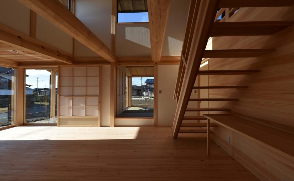 愛知の木組み (リビングから和室を見る)