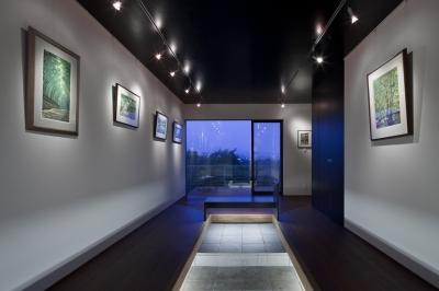 対岳荘 (少し広めに作ったエントランスホール兼ギャラリー)