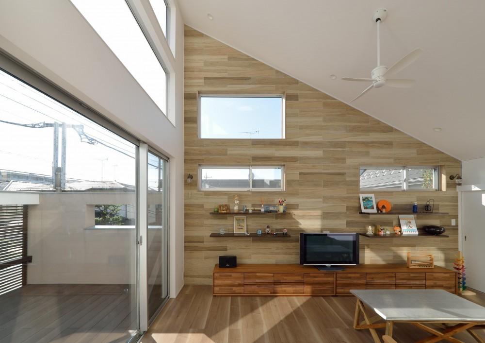 CASE 440 | 光窓の家 (LDK)
