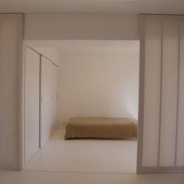 801号室 (開け放つことによりLDKと一体的に使える寝室)