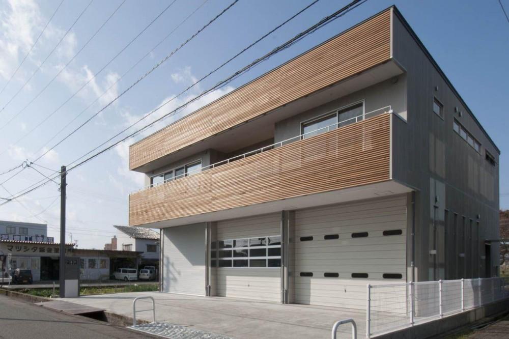 神田の家|自動車修理工場 併用 住宅 (外観)