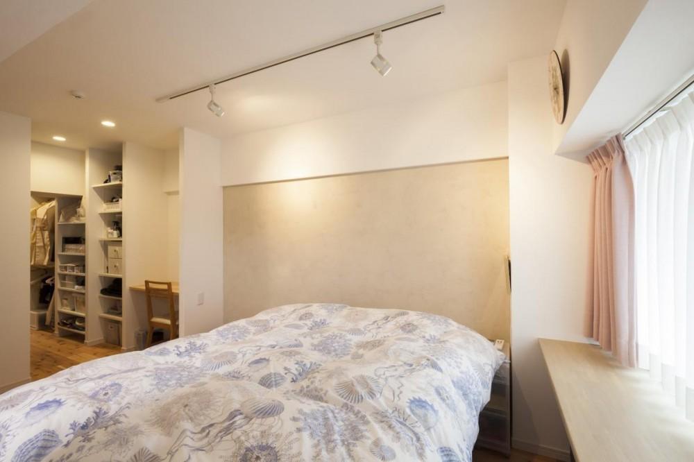 築古マンションを自分色に塗り替えた40代ご夫婦 (寝室)