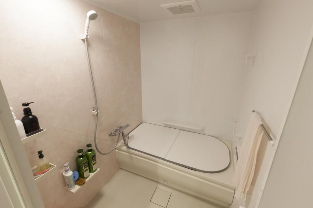 60代ご夫婦、暮らしの品質を劇的に改善した「安心リノベ術」 (バスルーム)