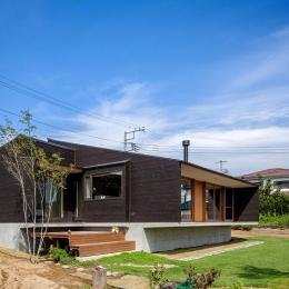 緩斜面の家 [2013] (外観と庭)