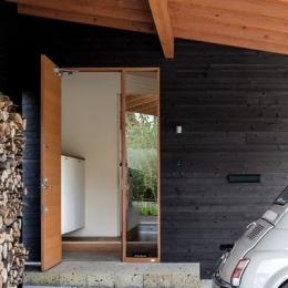 緩斜面の家 [2013] (玄関)
