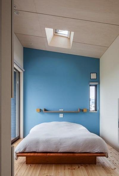 ベッドルーム (緩斜面の家 [2013])