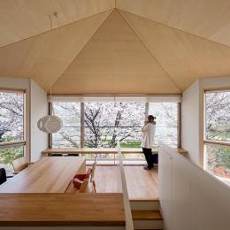 隅切りの家 [2013] (桜が一望できるリビング)