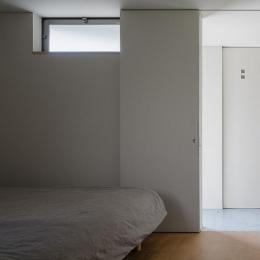 隅切りの家 [2013] (ベッドルーム)