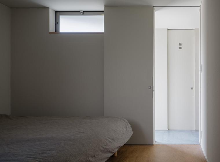 隅切りの家 [2013]の写真 ベッドルーム
