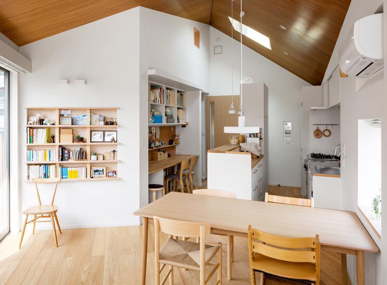 トンガリの家 [2014]の部屋 ダイニングキッチンとスタディーコーナー