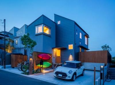 自然と共生する家-ライトアップ (暁の家 [2015])