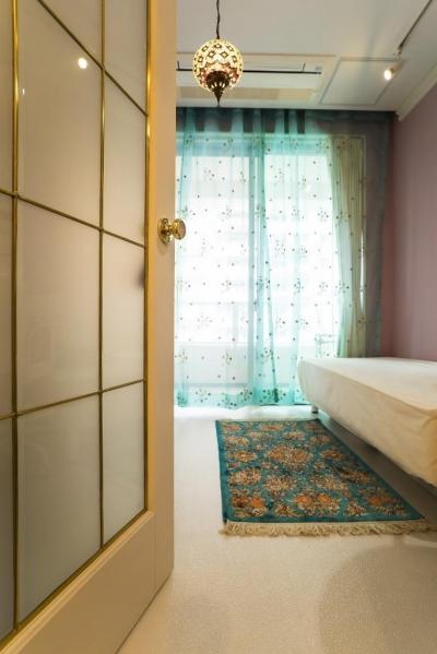 洋室 (海外の思い出がつまったアーチと曲線をモチーフにした個性的な住まい)