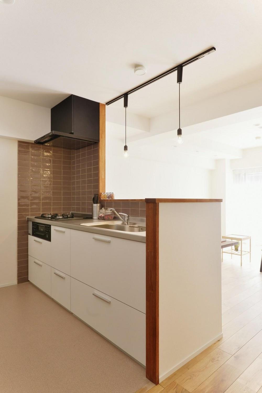 利便性のよいマンションでリラックス空間を (広々キッチンでお料理も楽しくなります)