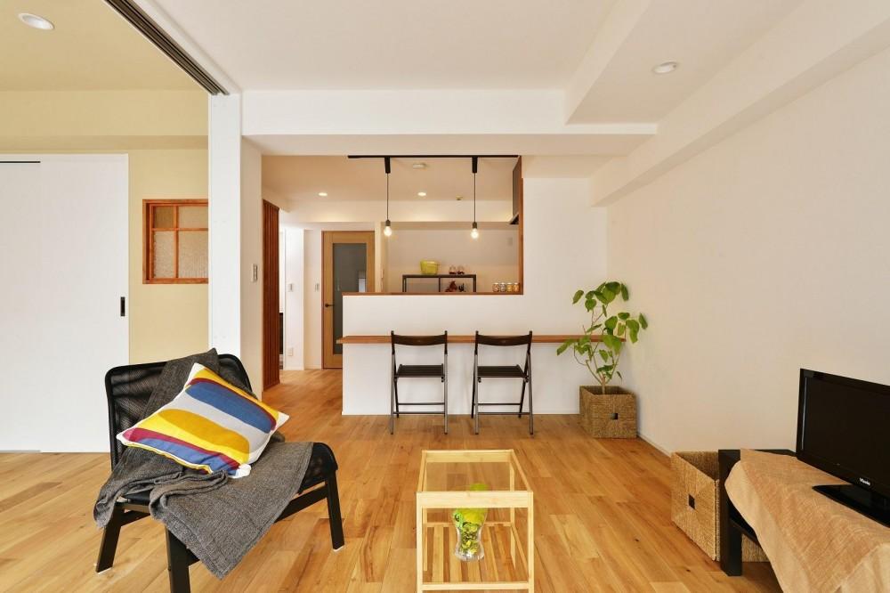 利便性のよいマンションでリラックス空間を (寝室の壁には調湿効果が期待できる珪藻土を)