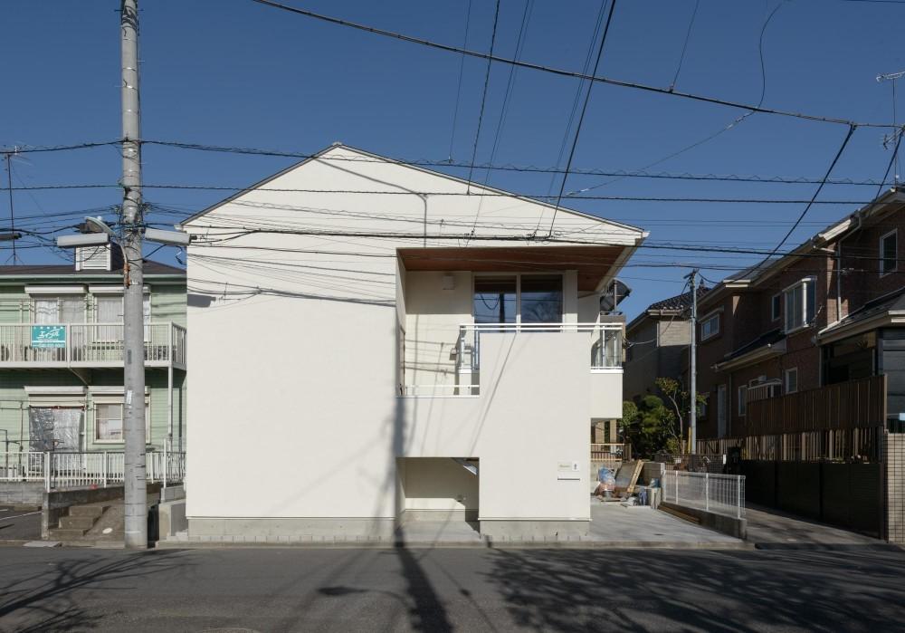 大谷口の省エネ高性能住宅/MATさんのスキップフロアー住宅 (南西側正面)