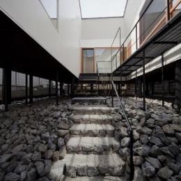 アキシマのいえ (玄関アプローチ階段)