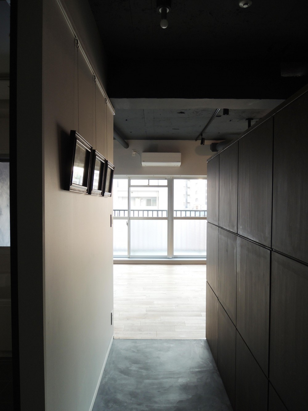 T様邸 (Entrance)