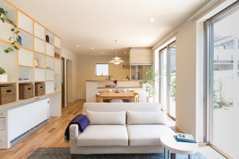 定年後の時間をゆったり暮らす 風通しの良い2人暮らしの家 (定年後の暮らしを楽しむ家 LDK全景)