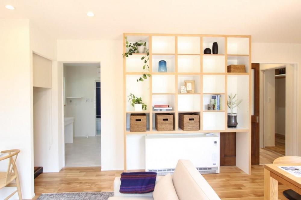 定年後の時間をゆったり暮らす 風通しの良い2人暮らしの家 (バリアフリーに回遊できる動線計画)