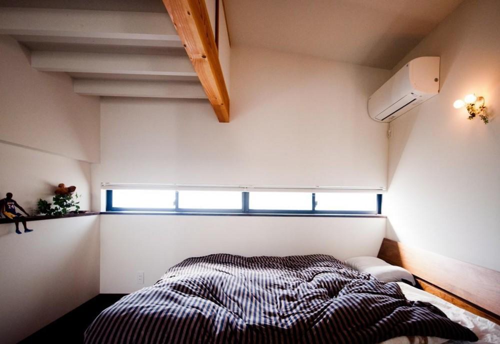 安八町の家 (寝室)