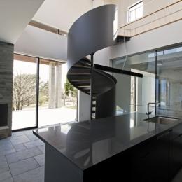 暖炉 螺旋階段 テラス ビルトインガレージ