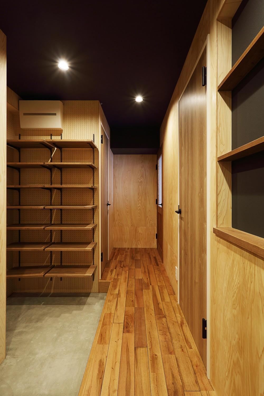 自然素材に囲まれたあたたかい空間 (玄関・廊下)