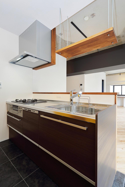 自然素材に囲まれたあたたかい空間 (キッチン)