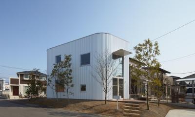 5角形の個性的な外観|大口の家