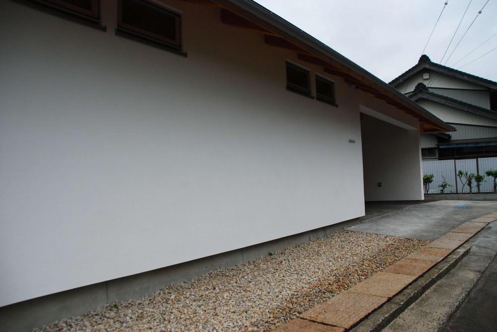 サンルームのあるUMSTの舎 (外観)