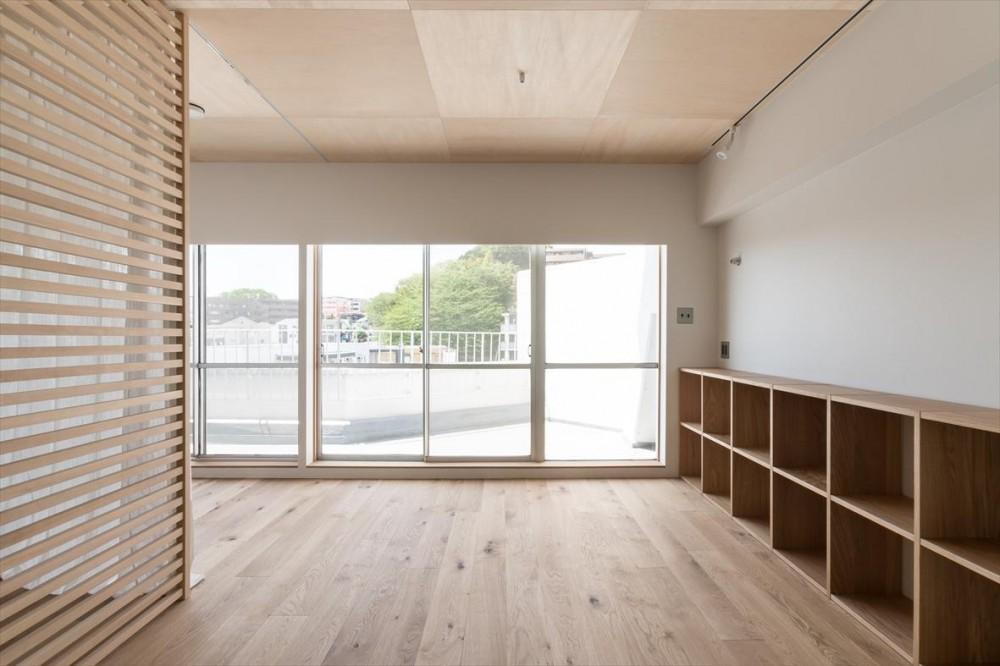 中庭を望むキッチンのあるビンテージマンションリノベ:『桜台ビレジリノベーションvol.4』(横浜市青葉区) (寝室)