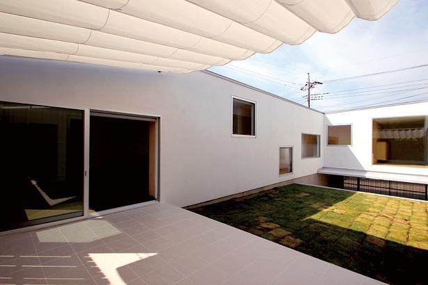 群馬県太田市 House OG -風の抜ける中庭- (中庭)