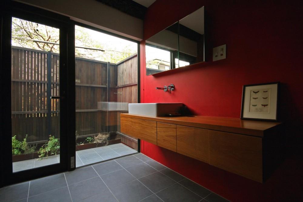太子堂の家 (バスルーム)