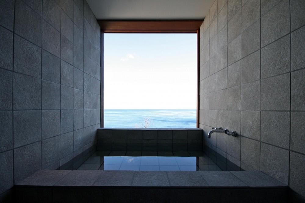 熱海の家 (バスルーム)
