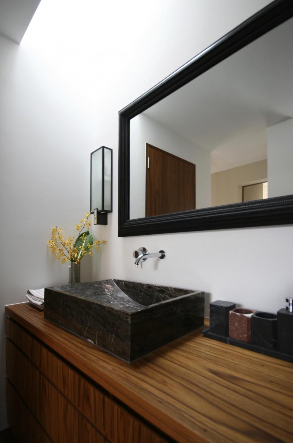 蕨の家 (バスルーム/洗面)