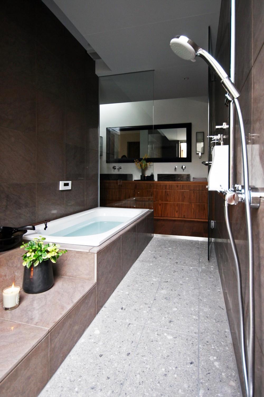 蕨の家 (バスルーム)