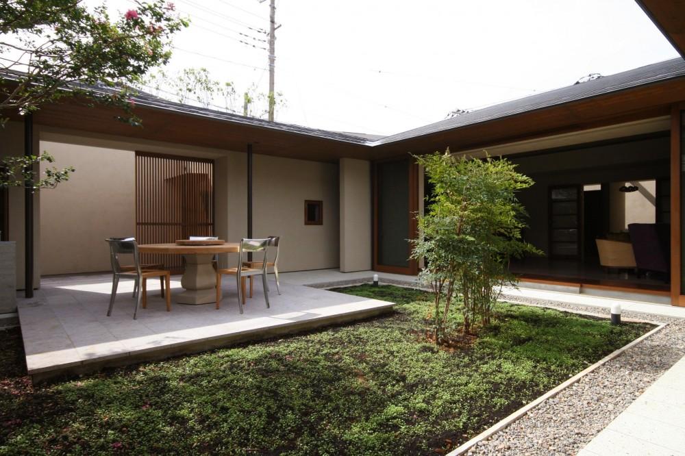 蕨の家 (中庭)