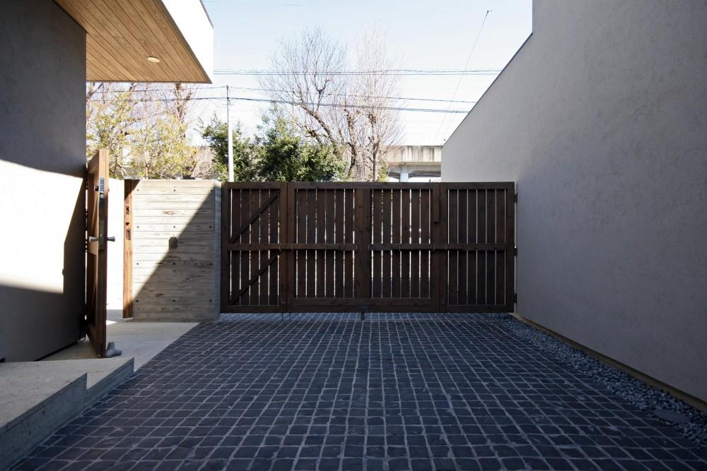 埼玉の家 (アプローチ)