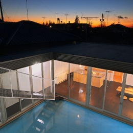水庭の家 (屋上から見た夕景)